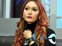 Nggak nyangka, Inilah 6 Artis Indonesia yang Berpendidikan Rendah, No 4 Paling Miris
