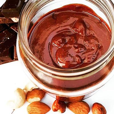 Pâte à tartiner healthy chocolat-noisettes-noix de cajou-amandes