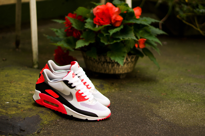 the best attitude ce133 07952 ... hyp nrg infrared. got my nike air max 90 hyperfuse infrareds yesterday.  thanks afew!