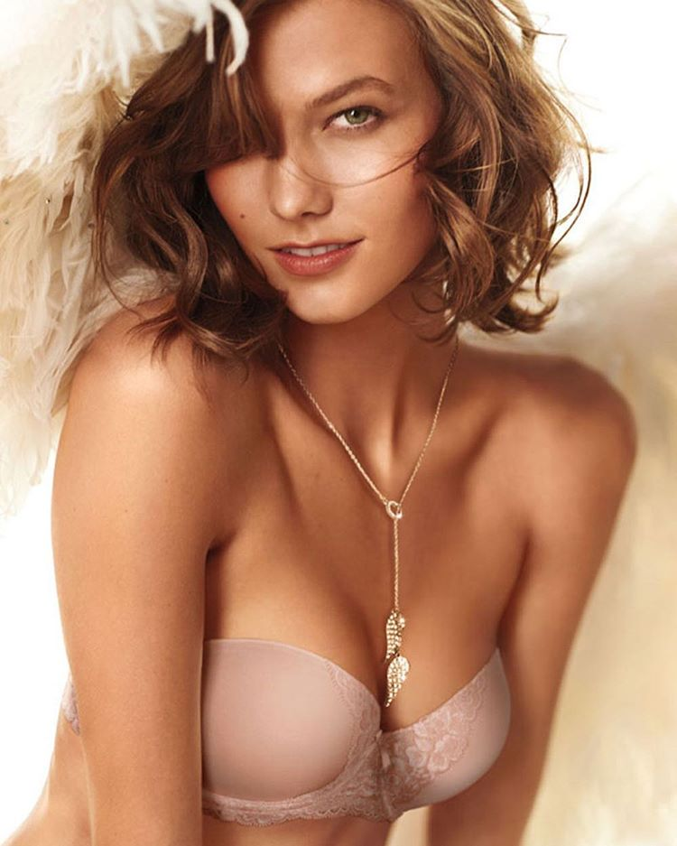 Karlie Kloss Exclusive Hot Photo Gallery