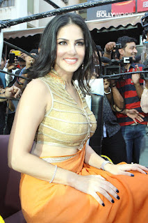Sunny Leone Saree Stills 02 - Sunny Leone's Extreme Sexiest 3 Collections In Saree even try to show her Booms-SUNNY LEONE ka SEXY
