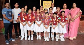जीवा के छात्रों ने कराटे प्रतियोगिता में जीते स्वर्ण पदक