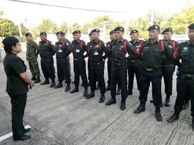 รอง หส.ผศ.น.ม. ร่วมสังเกตุการณ์ การฝึกทบทวนเจ้าหน้าที่ รปภ.สปภ.อผศ.ที่ศาลจังหวัดภูเขียว