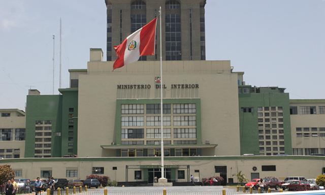 Notas periodisticas la corrupci n for Ministerio del interior legalizaciones