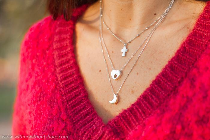 collares de plata con cruz  luna corazon de la diseñadora de joyas Leontina Alascio