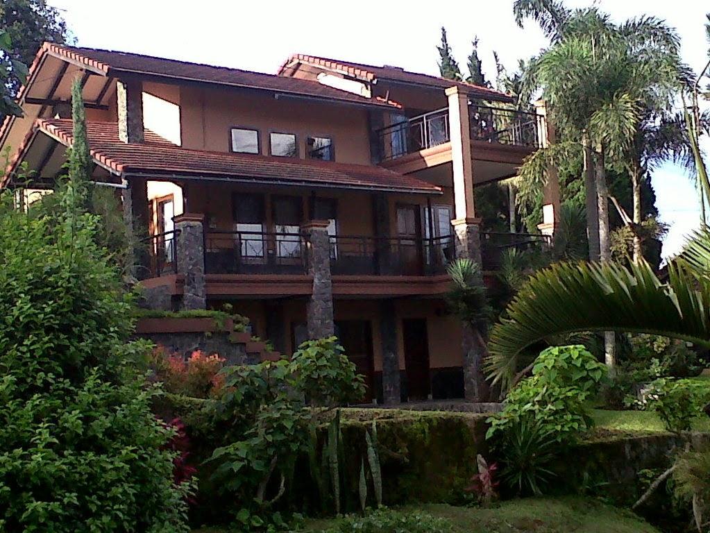https://www.sewavilladilembangbandung.net/2013/12/villa-istana-bunga.html