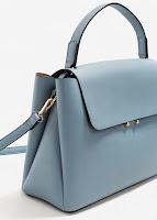 http://shop.mango.com/FR/p0/femme/accessoires/sac/a-main/sac-tote-a-rabat?id=83085576_50&n=1&s=rebajas_she