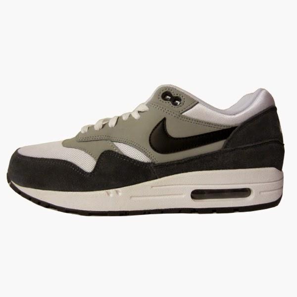 brand new cb8c4 8445a Nike Rosherun. Black, Black, Dark Magnet Grey, Granite. 511881-090