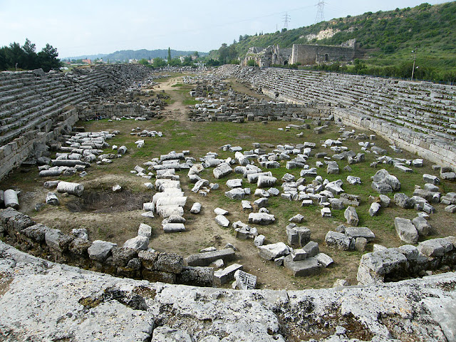 Roman-era stadium of ancient Perge to be restored