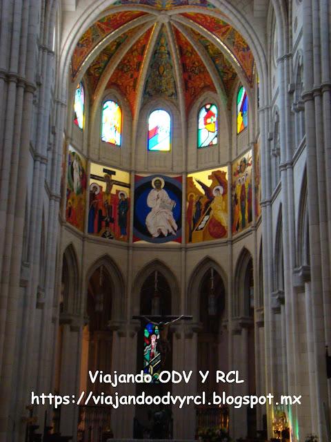Que hacer, a donde ir, que visitar en Madrid. Catedral de Almudena.