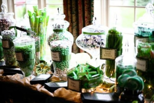 In style party favors: GREEN WEDDING COLOR TRENDS