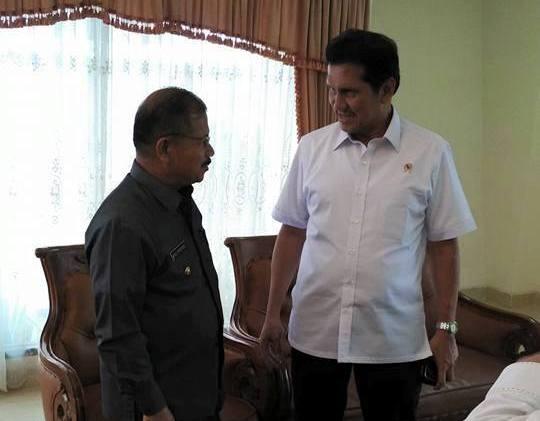 Menpan dan RB Asman Abnur Salut dengan Kinerja Bupati Ali Mukhni