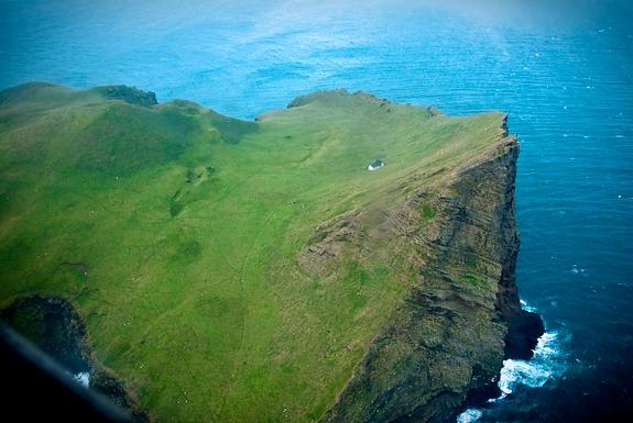Rumah-satu-satunya-di-pulau-Ellidaey