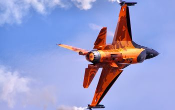 Wallpaper: F-16 Fighting Falcon at RIAT
