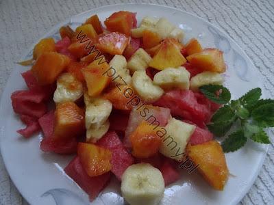 Sałatka owocowa z arbuzem