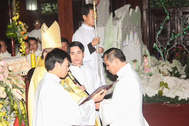 Lễ truyền chức Phó tế và Linh mục tại Giáo phận Lạng Sơn Cao Bằng 27.12.2017 - Ảnh minh hoạ 111