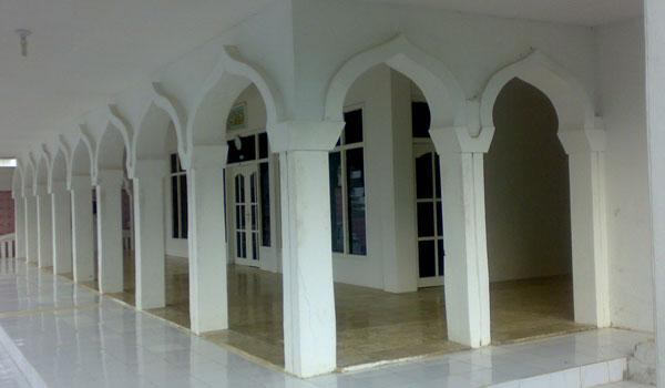 Hukum Menggunakan Fasilitas Masjid Untuk Selain Masjid