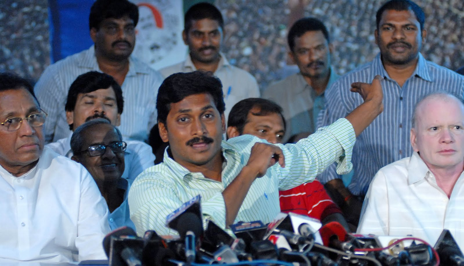 A Suresh Kumar - Photo Journalist: YS JAGANMOHAN REDDY