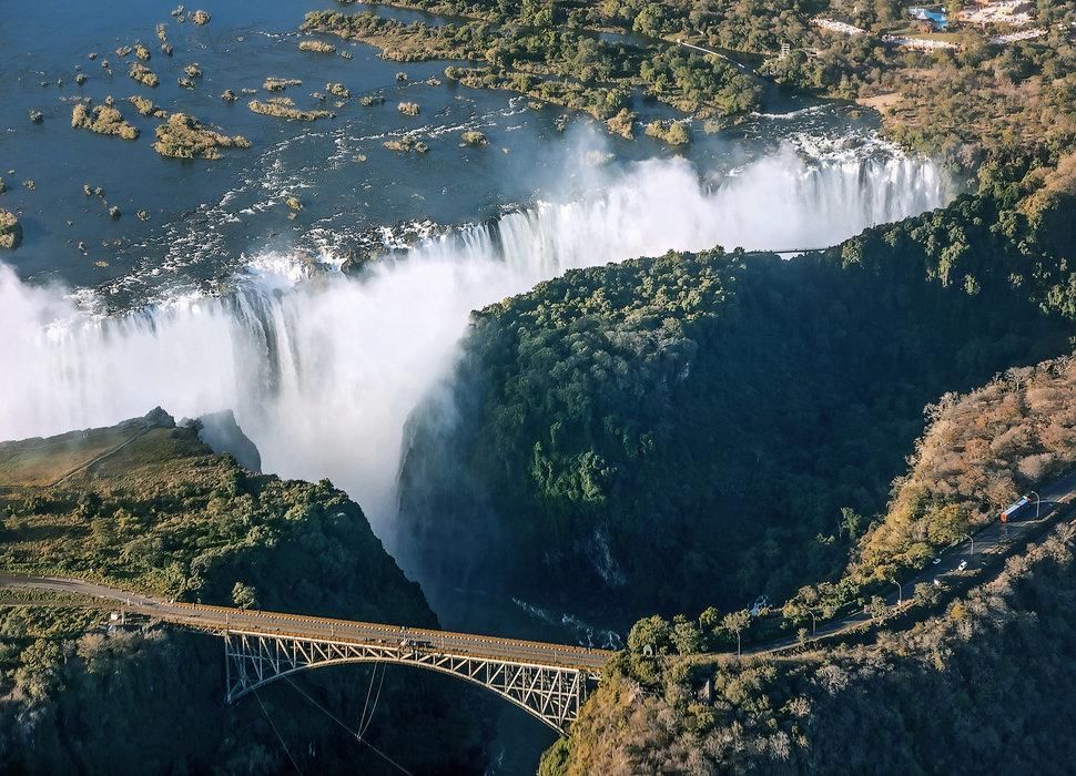 Victoria falls, Zambia, Zimbabwe - cambodianprivatetours.com