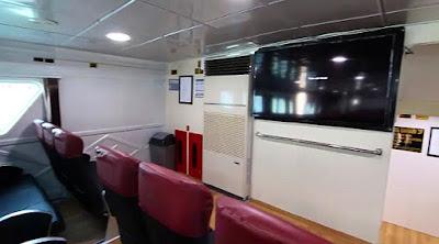 interior kapal express bahari semarang - karimunjawa