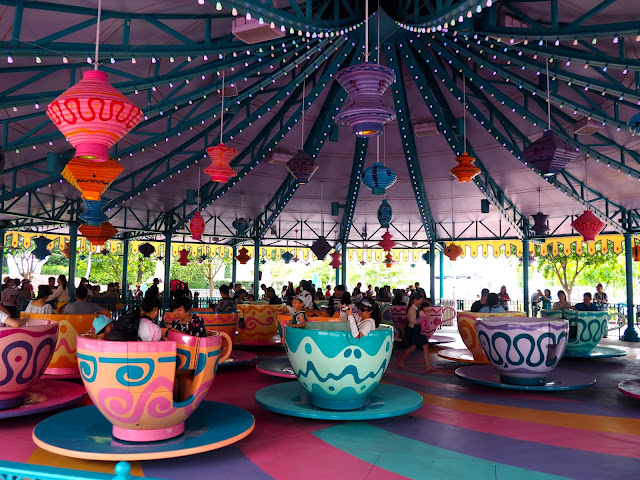 Mad Hatter Teacups, Fantasyland | Disneyland Hong Kong