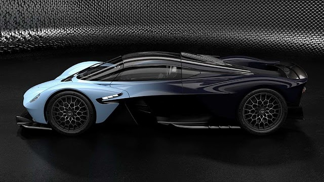 Aston Martin Rilis Foto-foto Hypercar Valkyrie Versi Produksi