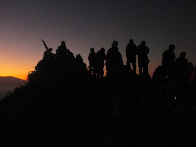 Pesan Hidup di Balik Pendakian Gunung