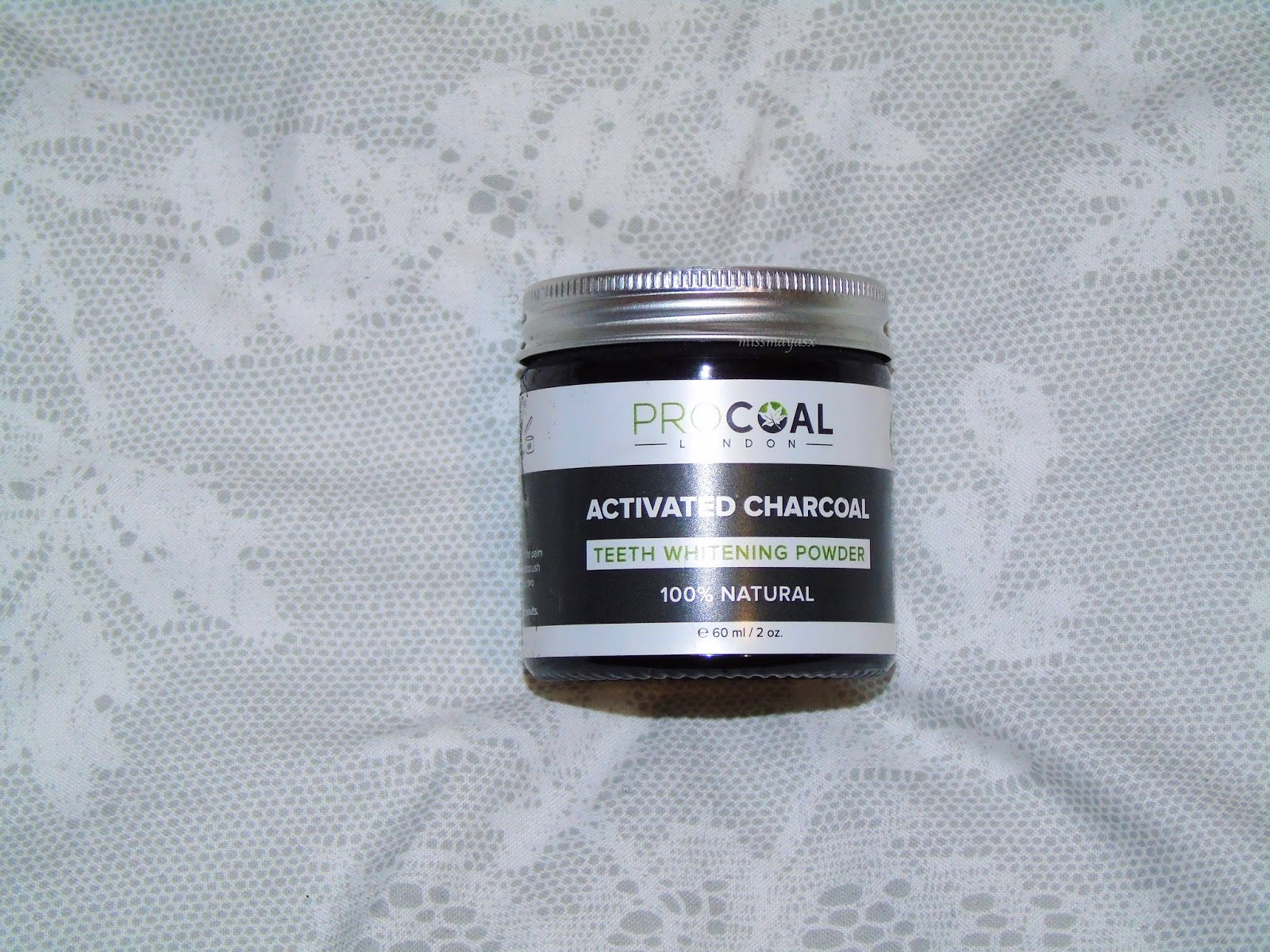 review procoal activated charcoal teeth whitening powder vogue by maya. Black Bedroom Furniture Sets. Home Design Ideas