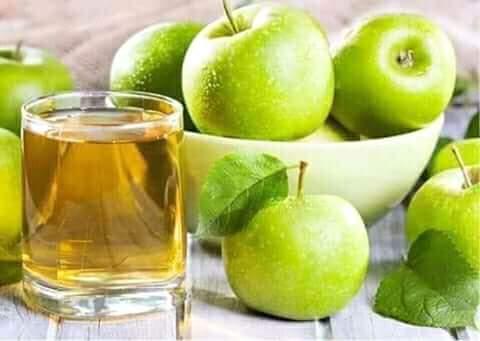 تفسير رؤية ألوان التفاح وأكله