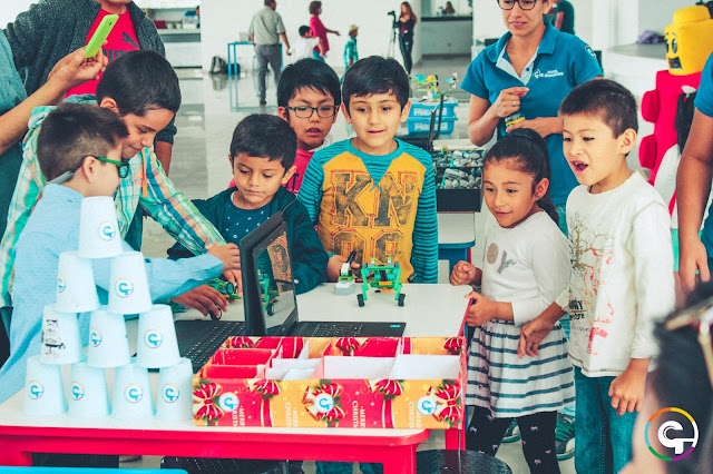 curso taller de robótica educativa para niños y niñas de tres 8 y 9 años en arequipa perú