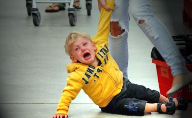 Cara Mengatasi Anak yang Menangis dan Mengamuk