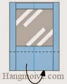 Bước 7: Gấp cạnh giấy về phía mặt đằng sau tờ giấy.