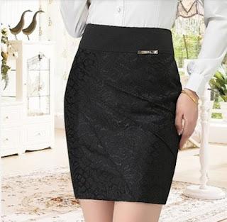 modelo de mini saia bordada preta pra trabalhar - fotos e dicas