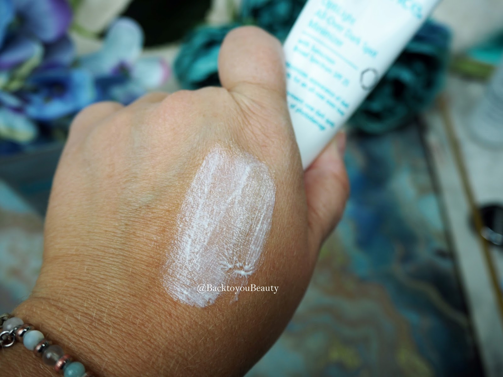 Optilight All-Over Dark Spot Minimizer SPF 25