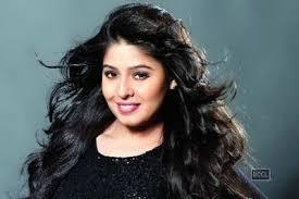 Artis-Penyanyi-Wanita-Bollywood-Sunidhi-Chauhan
