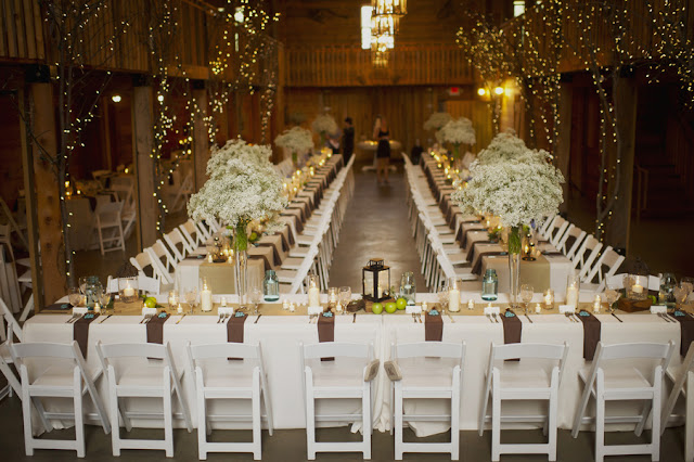 barn+wedding+rustic+horse+cowboy+cowgirl+babys+breath+centerpieces+bouquets+floral+arrangement+blue+baby+powder+burlap+woodland+organic+brown+barnhouse+groom+bridal+lace+bride+something+blue+Melissa+McCrotty+Photography+19 - Baby's Breath in the Barn