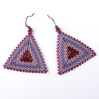 купить крупные треугольные серьги ручной работы украшения из бисера