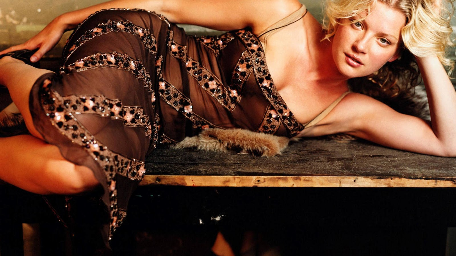 Gretchen Mol Hot Hd Wallpapers High Resolution Pictures