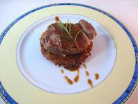 Rostí de patatas sobre Filet Mignon y salsa de Oporto