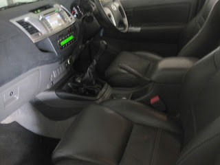 GumTree OLX Used cars for sale in Cape Town Cars & Bakkies in Cape Town  - 2014 Toyota Hi Lux 3.0 Diesel 4x4 Manual 5 speed