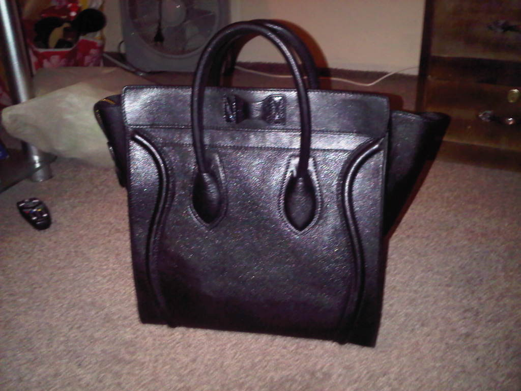 Celine Luggage Tote Bag Review By Beegee