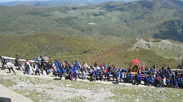il pellegrinaggio al Monte di Viggiano e il cammino dal nero alla luce
