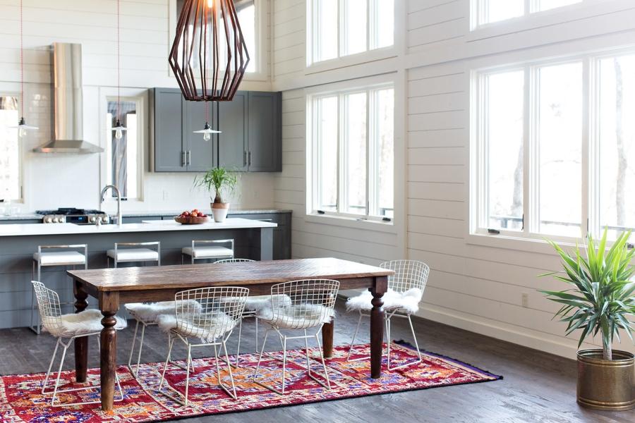 Drewno w roli głównej, wystrój wnętrz, wnętrza, urządzanie mieszkania, dom, home decor, dekoracje, aranżacje, styl nowoczesny, modern style, otwarta przestrzeń, drewno, salon, living room, kuchnia, kitchen