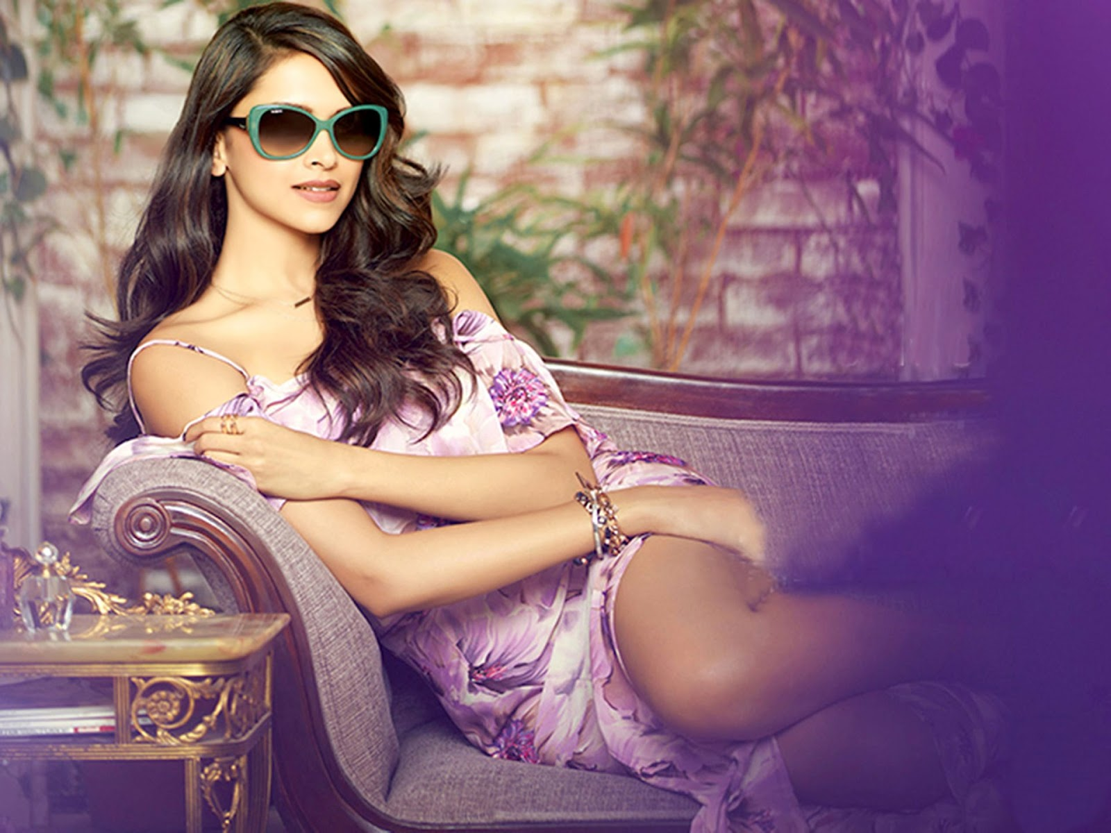 Deepika Padukone with Hot Sunglasses
