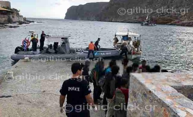Επιχείρηση διάσωσης 33 προσφύγων στη Μάνη