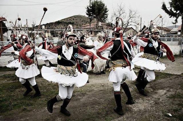 Το δρώμενο των Κοτσαμάνων (Μωμόγερων) αναβιώνει και φέτος στον Τετράλοφο Κοζάνης