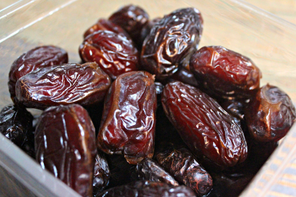 the benefits of consuming dates