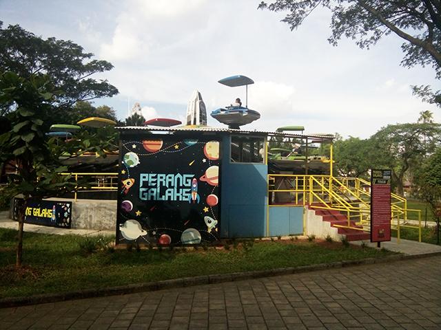 Taman Legenda TMII, perang galaksi