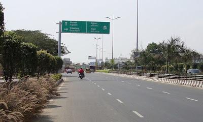 பழைய மகாபலிபுரம் சாலையில்!