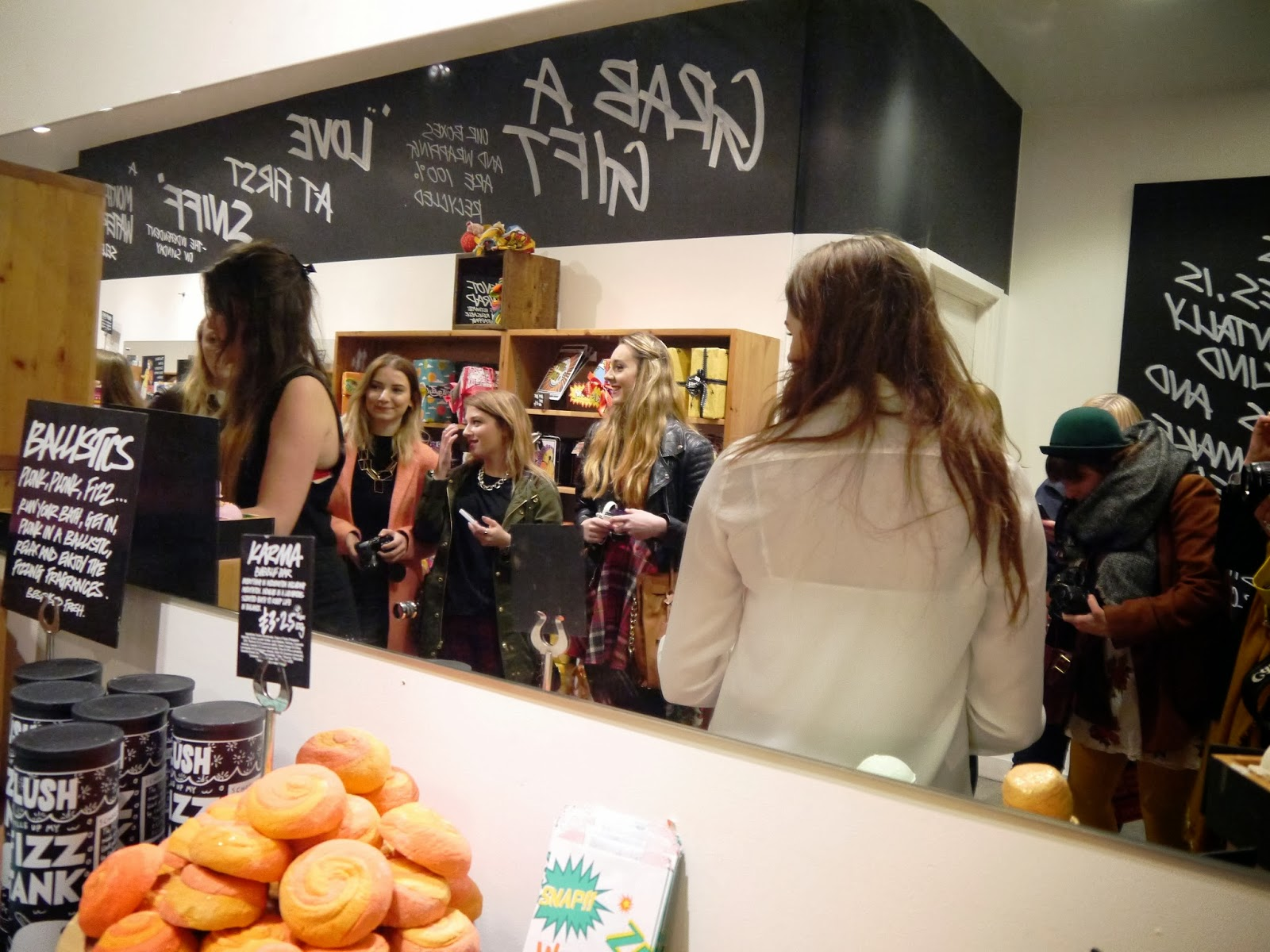 Bristol Blogger Meet in Lush shop